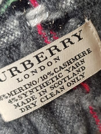 Burberry Schal in Grau