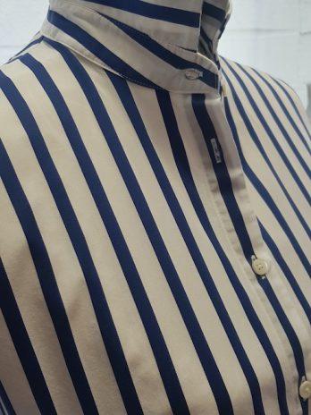 Bluse Closed Größe XS Blau und Weiß