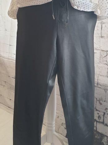 Hose in Größe Medium in Schwarz