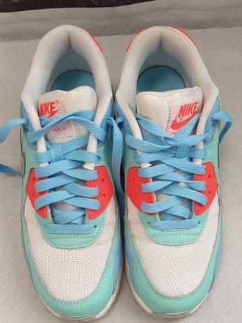 Schuhe NIKE Größe 38,5 Bunt