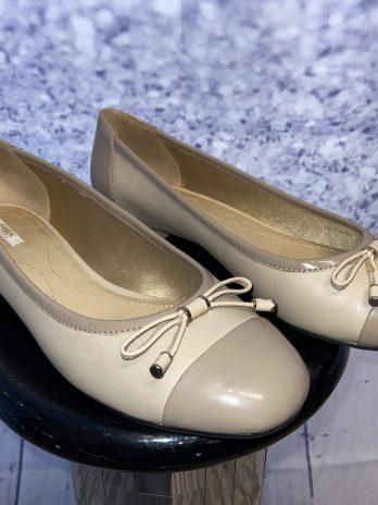 Schuhe Geox 37,5 in Taupe NEU