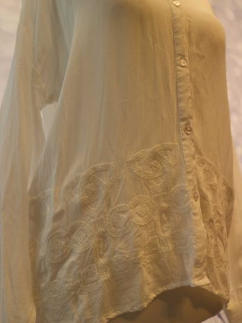 """Bluse NÜ """"X-Small"""" in Weiss"""