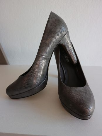 Schuhe S.Oliver 39 in Silbergrau